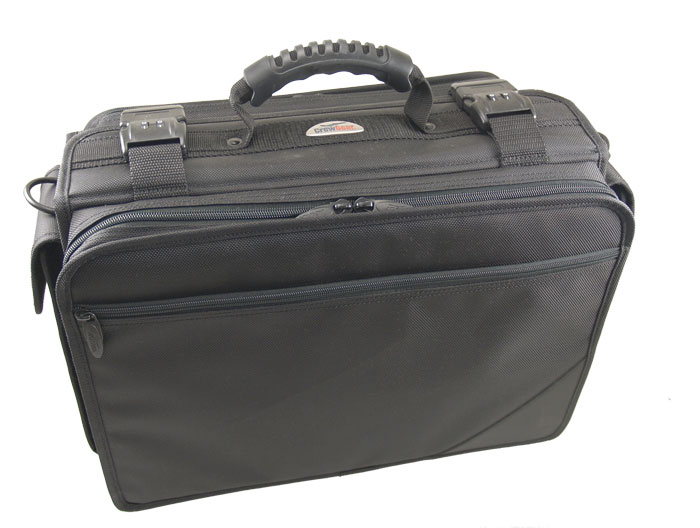 REDUCED-SIZE FLIGHT CASE